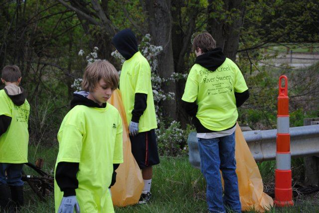 Pigeon Creek Cleanup (24)