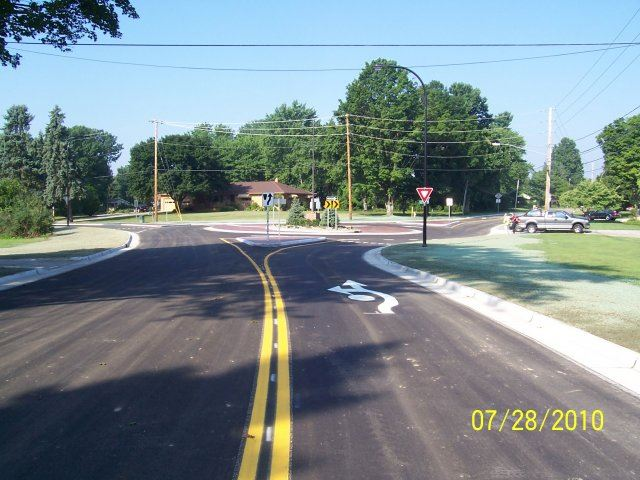 Ridgewood and Jacoby Road Roundabout (2)