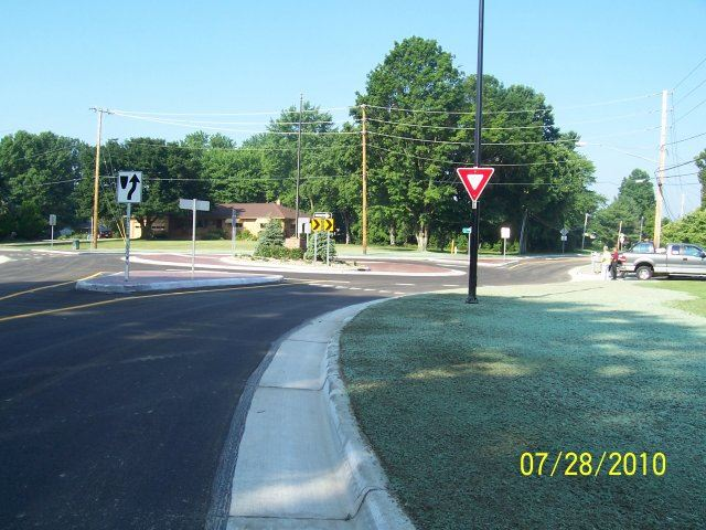 Ridgewood and Jacoby Road Roundabout (3)